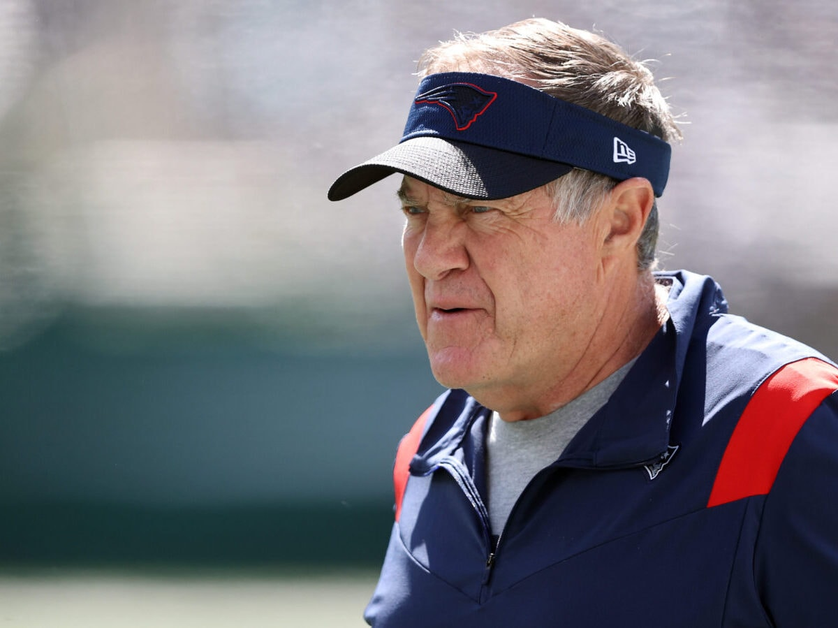 EAST RUTHERFORD, NEW JERSEY - SEPTEMBER 19: Head coach Bill Belichick of the New England Patriots looks on before the game against the New York Jets at MetLife Stadium on September 19, 2021 in East Rutherford, New Jersey. (Photo by Elsa/Getty Images)